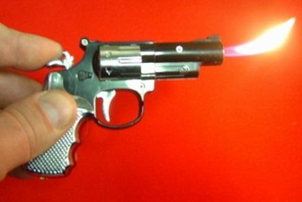 Ограбление с муляжом пистолета