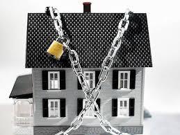 Новые собственники не могут въехать в дом