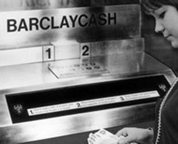 Первый банкомат Barclays