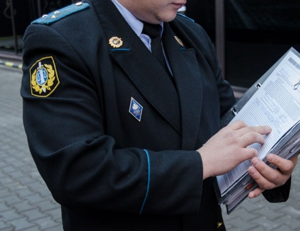 Арест судебными приставами
