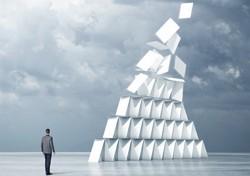 лопнула финансовая пирамида