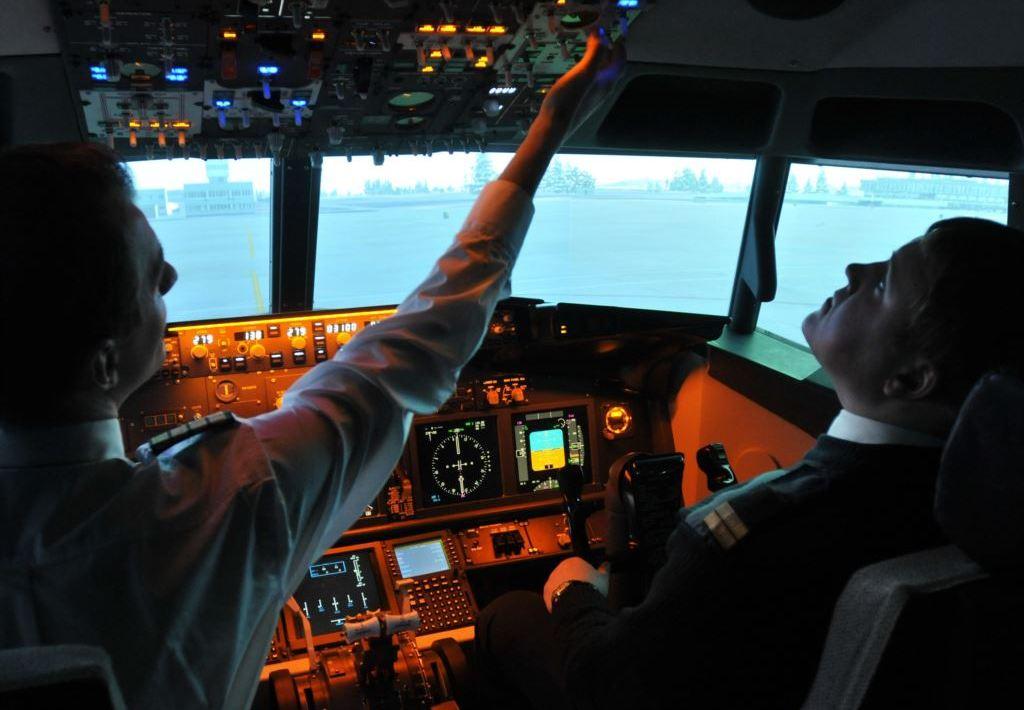 Приставы запретили выезд пилоту-должнику