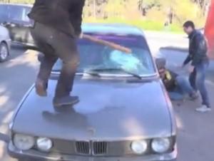 за чужие долги разбили автомобиль